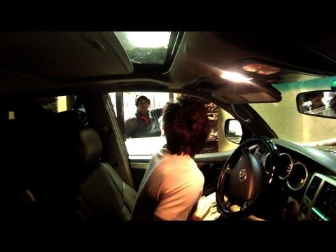 Epic Drive Thru Shake Weight Prank_Legjobb vicces videk