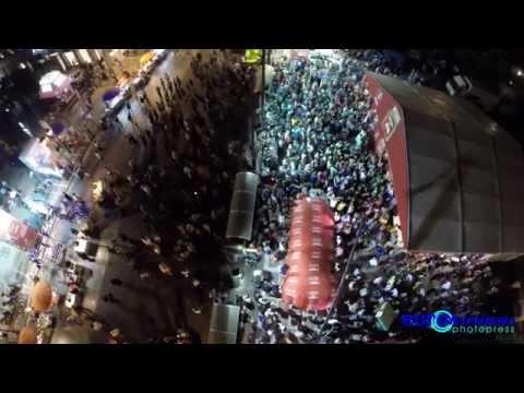 Πανηγυρισμοί στο εκλογικό περίπτερο του ΣΥΡΙΖΑ