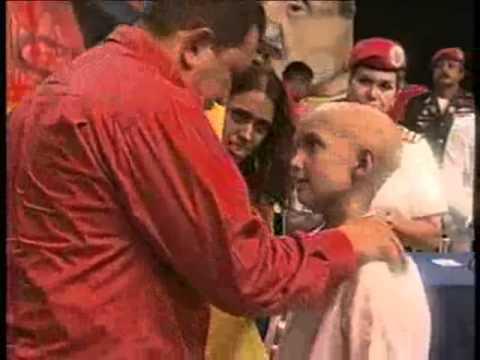 Niña con Cáncer quiere Abrazar a Chavez- Video muy conmovedor