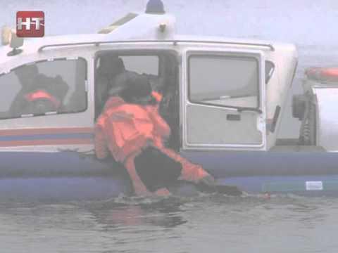 Сотрудники подразделений МЧС провели учения по спасению людей в акватории  реки Волхов