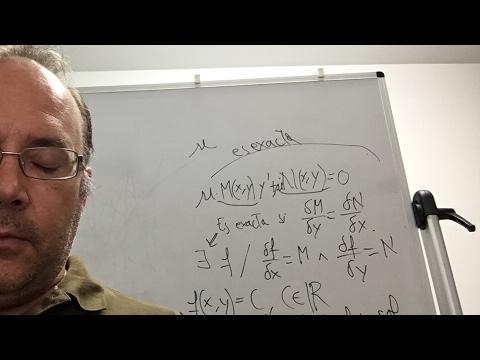 Profesor da una clase en directo en YouTube y se duerme
