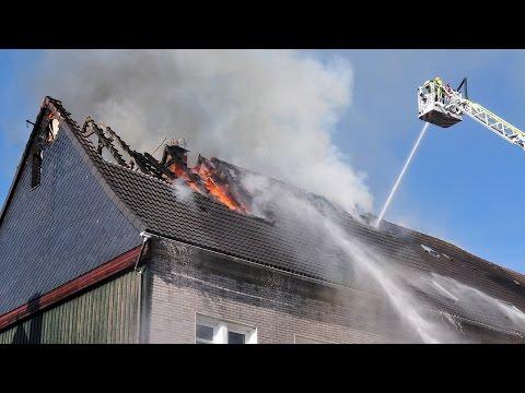 Vier Verletzte bei Dachstuhlbrand