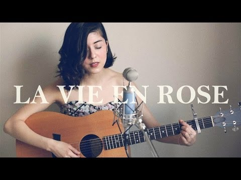 Girl does an amazing cover of La Vie En Rose.