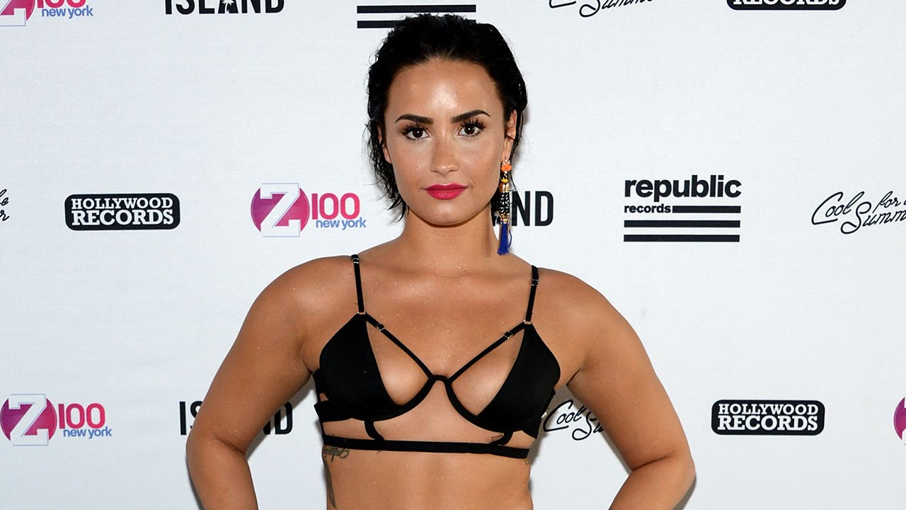 Demi Lovato Rocks SEXY Bikini & Responds To Katy Perry Copy Claims!