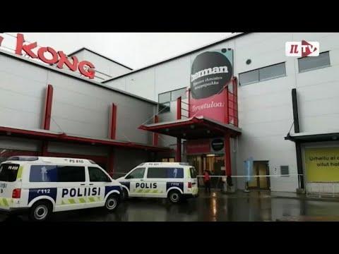 Finnland: Mann geht mit Schwert auf Mitschüler los