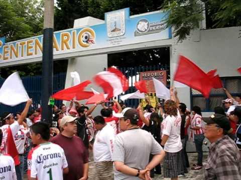 Comando Rojiblanco - Arribando al Estadio Centenario Morelos - Gataz Mor vs Necaxa - Comando Rojiblanco - Club Necaxa
