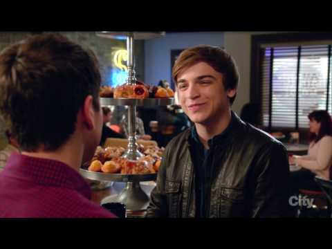 Brett Young / Kenny O'Neal (gay kiss #3) - The Real O'Neals (tv series)
