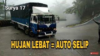 Video Salah Perkiraan Truck Terjebak di Tanjakan Sitinjau Lauik MP3, 3GP, MP4, WEBM, AVI, FLV Januari 2019