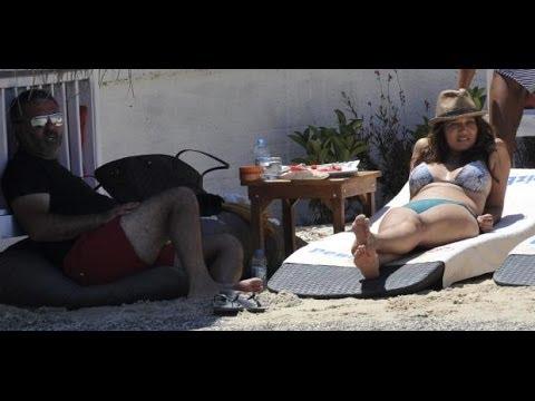 NURGÜL YEŞİLÇAY - Tanga Bikini - FotoVideo