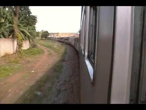 EFVM - passageiros002 chegando em TUMIRITINGA - MG