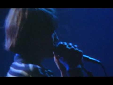 Tekst piosenki Pavement - Here po polsku