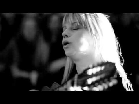 Basia Bulat - 'It Can't Be You'