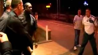 Video bouncers fight and bash people MP3, 3GP, MP4, WEBM, AVI, FLV Oktober 2018