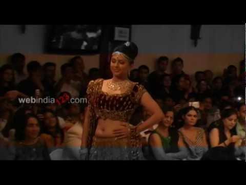 Video Kochi International Fashion Week 2012 .mp4 download in MP3, 3GP, MP4, WEBM, AVI, FLV January 2017