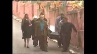 Confira a mais uma inédita e divertida pegadinha exibida no Programa Silvio Santos, onde as pessoas ajudam a levar o caixão para um velório e se assustam quando o morto levanta!Avalie também as nossas intros! deixe um comentário no vídeo!Inscreva-se no canal https://www.youtube.com/user/HumoRindoSiga-nos no Twitter https://twitter.com/pegadinhastvGoogle+  https://plus.google.com/116987471988315745507/posts