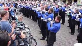 Blue Devils kleuren Leeuwarder binnenstad
