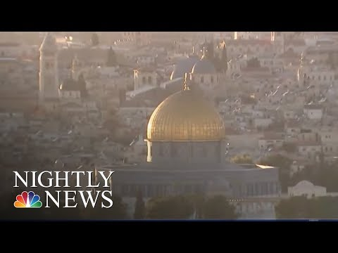 """Trump has no authority """"to give away Jerusalem to an occupying power"""" 