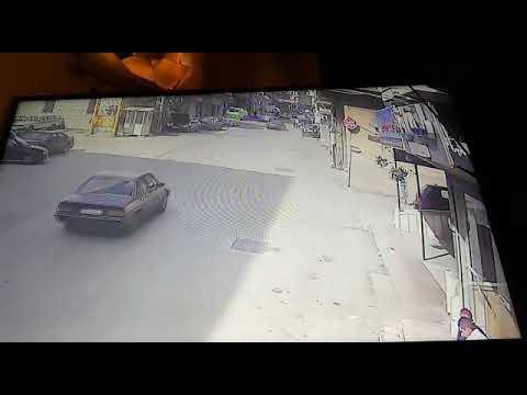 العرب اليوم - بالفيديو: سائق يفقد السيطرة ويتعرض لحادث تصادم