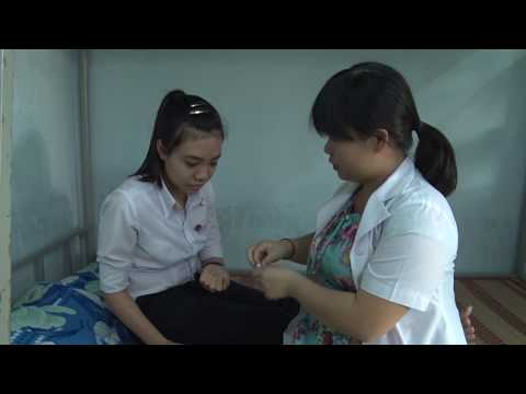 Tặng thẻ bảo hiểm Y tế cho học sinh, sinh viên