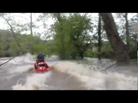 2011 Jet ski adventure in Lake of the Ozarks ~ Flooded Niangua river and Tunnel dam