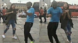 Video Anushka Sharma Dance With Virat Kohli On Street Of South Africa MP3, 3GP, MP4, WEBM, AVI, FLV Mei 2018