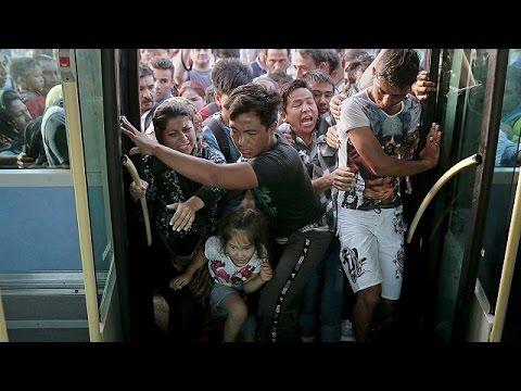Λέσβος: Σε κατάσταση συναγερμού – Μάχη για μια θέση στα πλοία δίνουν οι μετανάστες