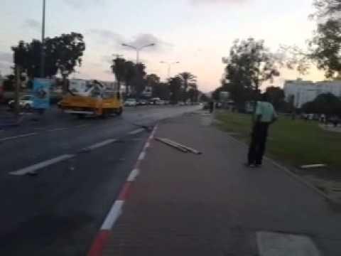 אשקלונים - תאונה בין אוטובוס לרכב פרטי הביאה להרס ונזק רב. אתר אשקלונים.