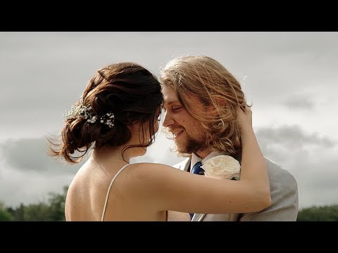 OUR GORGEOUS OUTDOOR WEDDING VIDEO | BECKY & AUSTIN (видео)