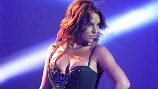 Nonton 7 MINUTES of Britney Spears Slaying as a Brunette (Piece Of Me Show) Film Subtitle Indonesia Streaming Movie Download