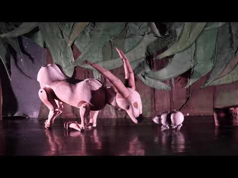 String Theatre. The Crow's Tale (La Historia del Cuervo).