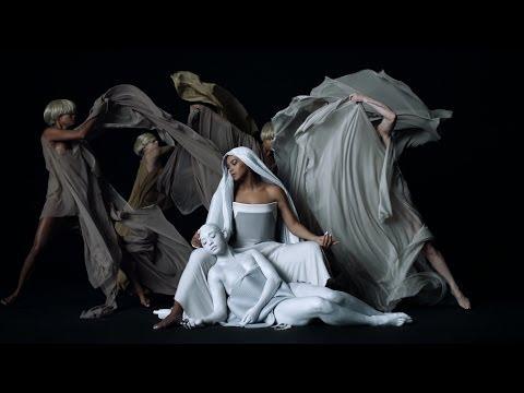"""Beyoncé """"Mine"""" featuring Drake :30 Preview"""