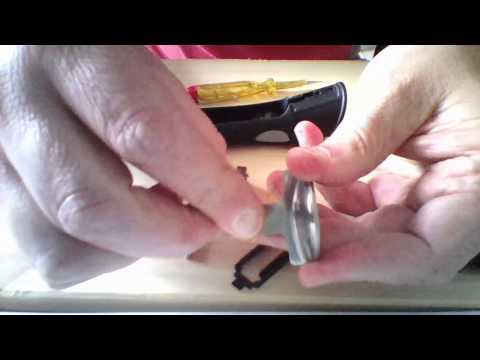Comment réparer une poignée amovible coincée.