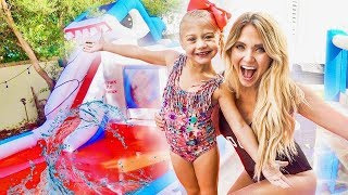 Video We put a GIANT inflatable WATERPARK in our backyard!!! (THEY WERE SO SURPRISED) MP3, 3GP, MP4, WEBM, AVI, FLV Oktober 2018