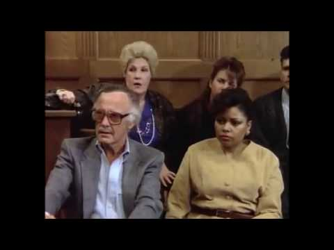 The Trial of the Incredible Hulk (1989) - Cameo de Stan Lee.