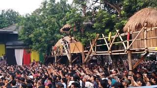 Video Iwan Fals - Di Bawah Tiang Bendera (Konser Situs Budaya : Papua - Asmat) MP3, 3GP, MP4, WEBM, AVI, FLV Agustus 2018