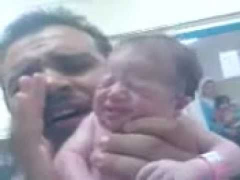 ماشاء الله تعالى .....ماذا يحدث عند ولادة الطفل الاسلامى