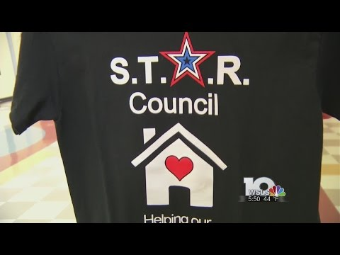 Roanoke high school students sell t-shirts to benefit homeless classmates