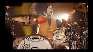 "Blink 182 Halloween Show @ The Fonda w/ Kroq | ""Pin the Grenade"""