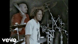 Rage Against The Machine - Bulls On Parade (Official Video)