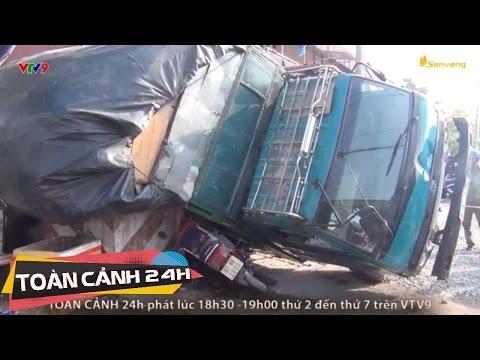 Mua nước mía, bị xe tải lật ngang đè chết tại chỗ | Toàn Cảnh 24h