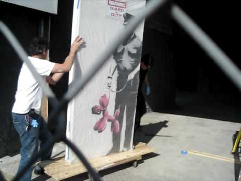 0 Banksy Heist In LA Footage | Video