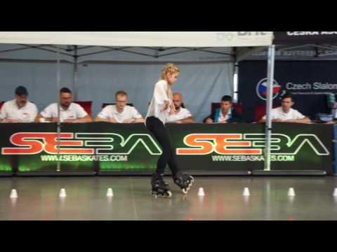 Αυτό το κοριτσάκι θα σας εκπλήξει με τις ικανότητες της στο skate