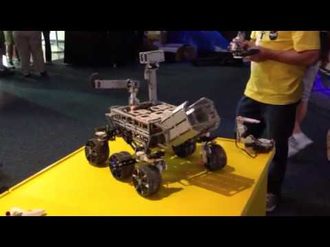 0 LEGO MINDSTORMS   NASA Curiosity Mars Rover | By BattleBricks