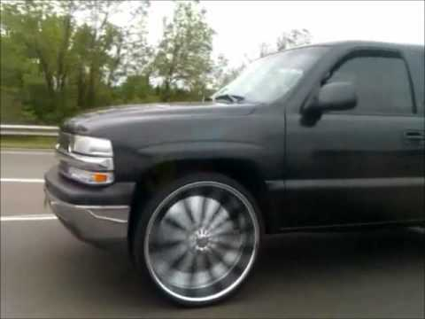 Chevy Tahoe on 28s