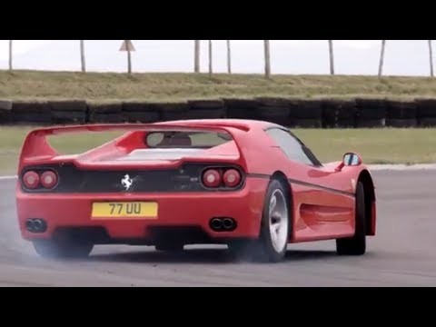 0 Former Fastest Fezzas Fawning: Chris Harris Falls in Love with the Ferrari F40 and F50 [Video]