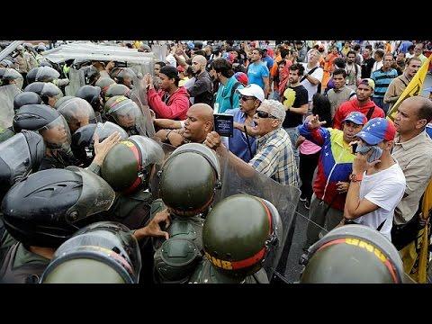 Βραζιλία: Στους δρόμους χιλιάδες αγανακτισμένοι με τον Μαδούρο