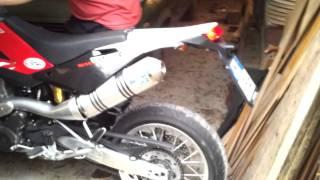 10. Leovince X3 Enduro su Husqvarna SM 610 2009