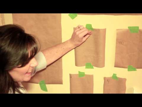 How to Display Picture Frames on a Wall : DIY Home Decor Tips