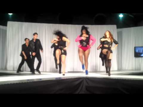 Fusionart - https://www.facebook.com/pages/Dance-Pop-Fusion-Art/168846573169861 Grupo coreográfico Dance Pop Fusion Art en el Fashion Week Costa Rica 2012 para la pasare...