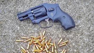 Smith and Wesson 43C a .22lr J Frame revolver